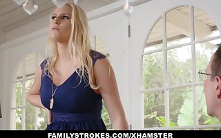 FamilyStrokes - Making out My Hot Step-Mom Be useful to The brush Beano