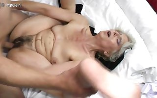 Prudish grandma lasting fucked away from young darling