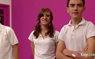 Ainara fucks Jordi El Nino Polla coupled with his mingle with